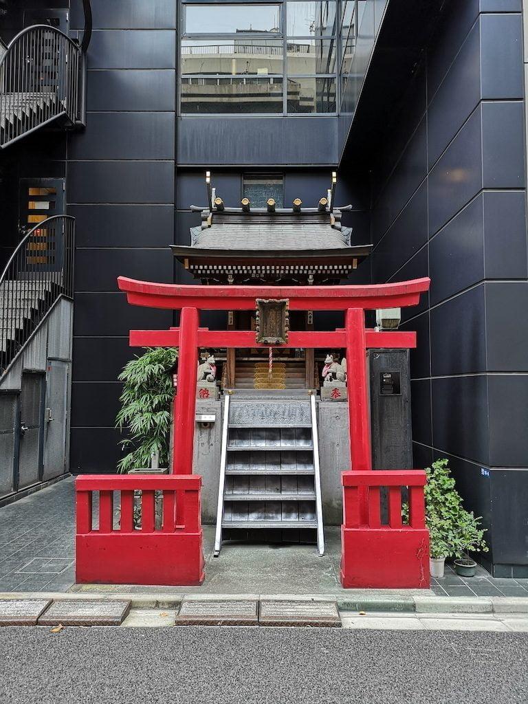 Lille torii-shrine i Tokyo